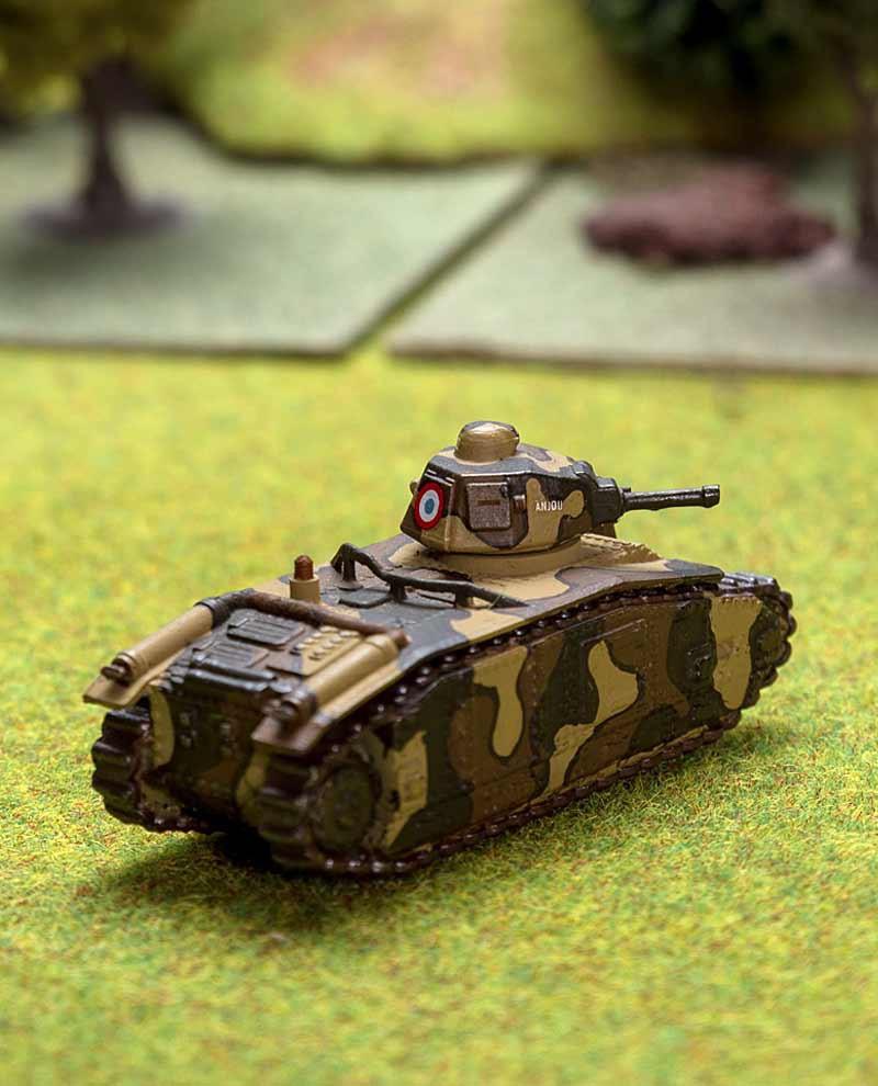 reproduction du célèbre char d'assaut français B1 Bis à l'échelle 1:100